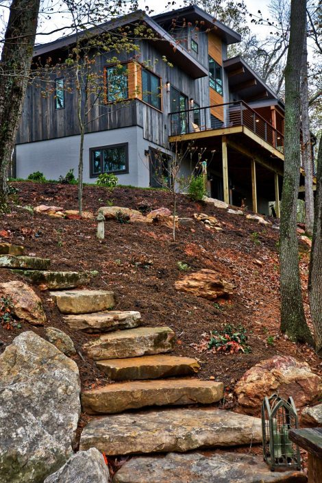 Modern Olivette Jade Mountain Builders
